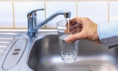 Reflui fognari in condotta idrica. Il tratto sarà sostituito