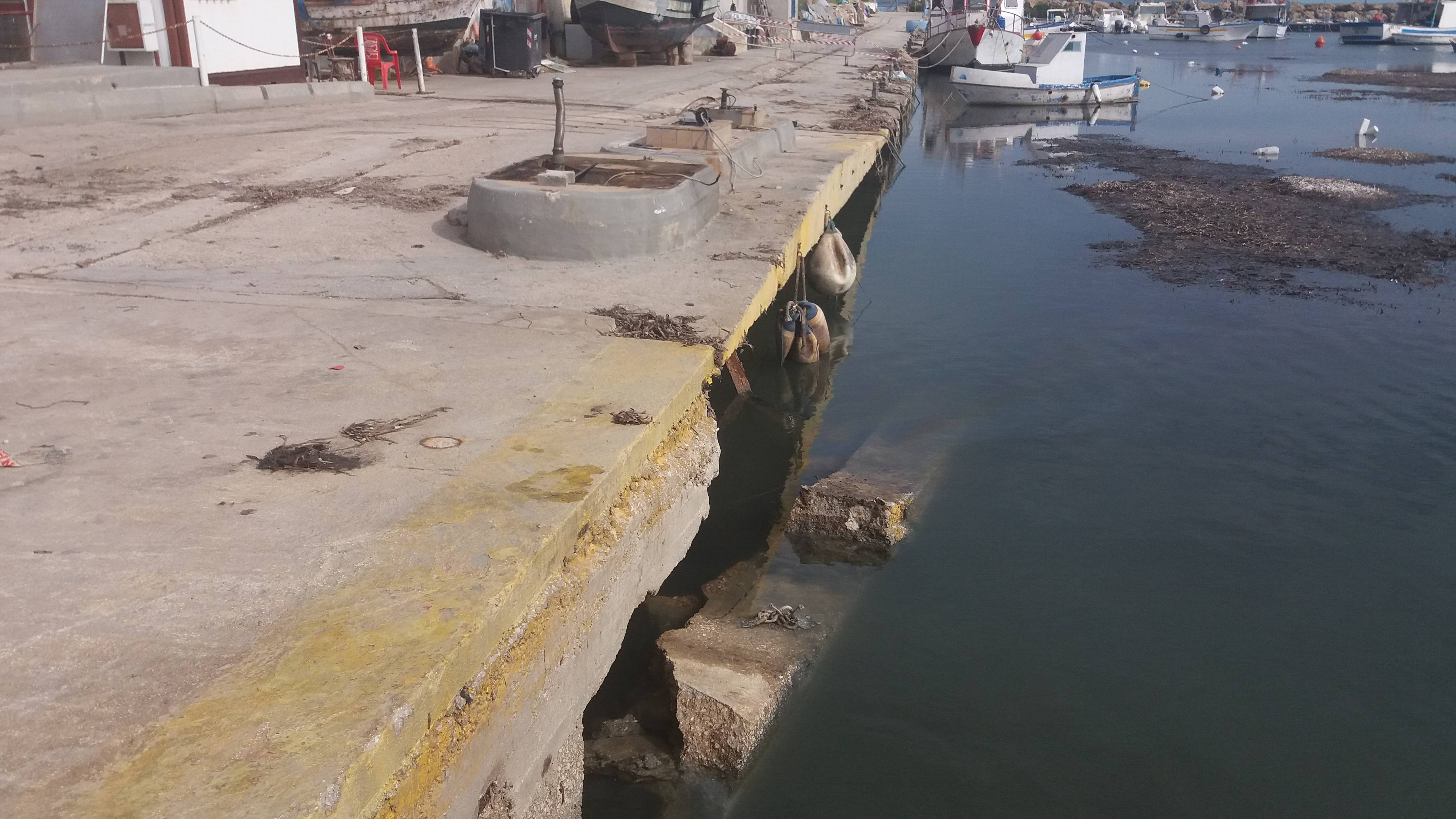 Cede banchina del porticciolo di Marinella di Selinunte 1