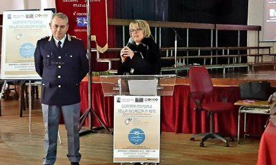 """Gli alunni del II CircoloRuggero Settimo celebrano il """"Safer Internet Day"""" con la Polizia Postale 4"""