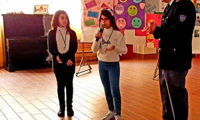"""Gli alunni del II CircoloRuggero Settimo celebrano il """"Safer Internet Day"""" con la Polizia Postale 5"""