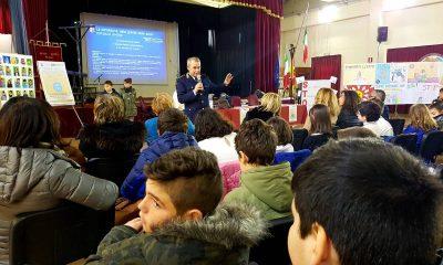 """Gli alunni del II CircoloRuggero Settimo celebrano il """"Safer Internet Day"""" con la Polizia Postale 7"""