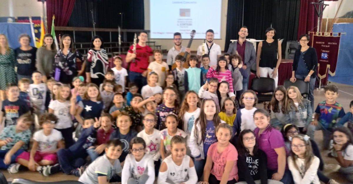 """Lezione-concerto al """"II Circolo R.Settimo"""" con il Conservatorio """"Scontrino"""" di Trapani"""